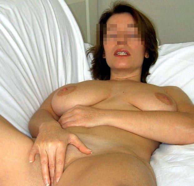 Belle femme quadra cougar sexy et nue