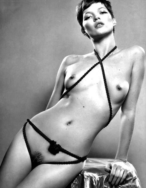La belle Kate Moss nue